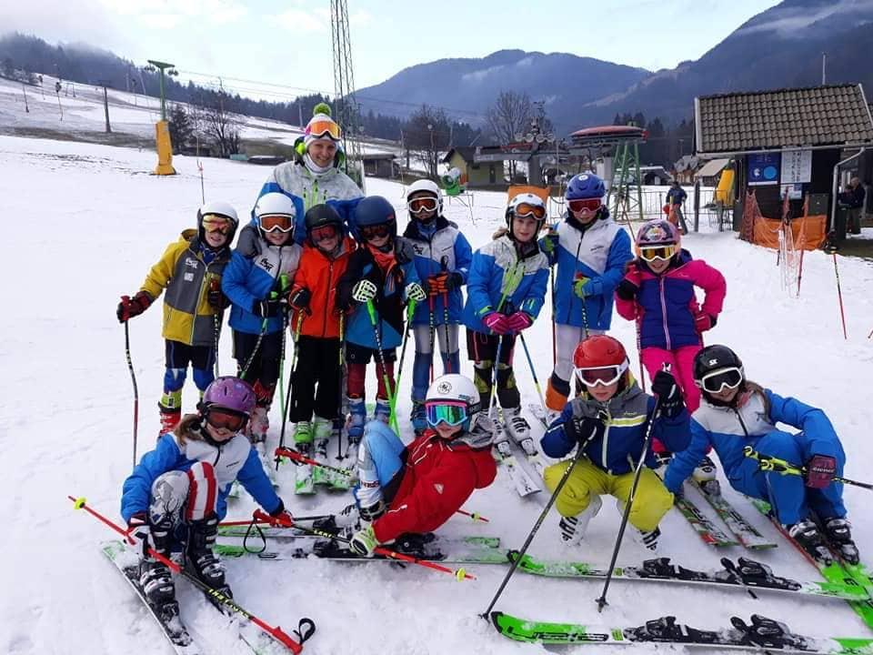 Sneg skupinska